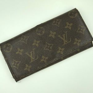 Louis Vuitton. Brown wallet